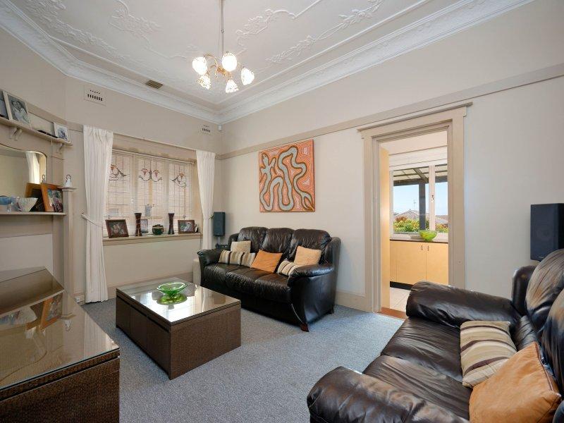 34 Lily Street, Hurstville, NSW 2220