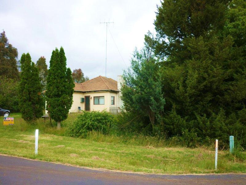 11 Clarke Street, Nimmitabel, NSW 2631