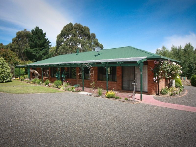 95 Spencer Road, Woodend, Vic 3442