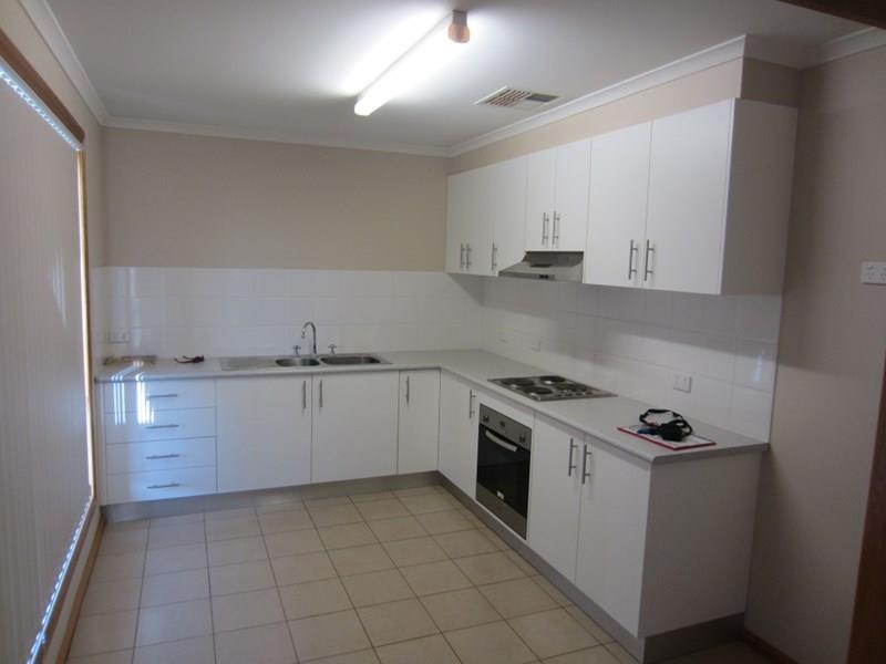 11B Thirteenth Street, Cobar, NSW 2835