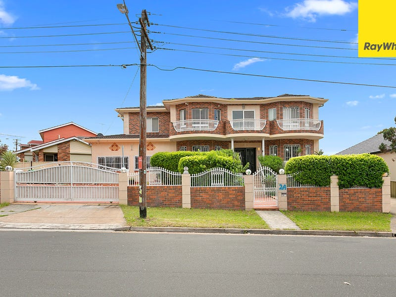 2A Bungalow Rd, Roselands, NSW 2196