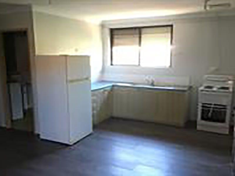 5B Monaco Place, Prestons, NSW 2170