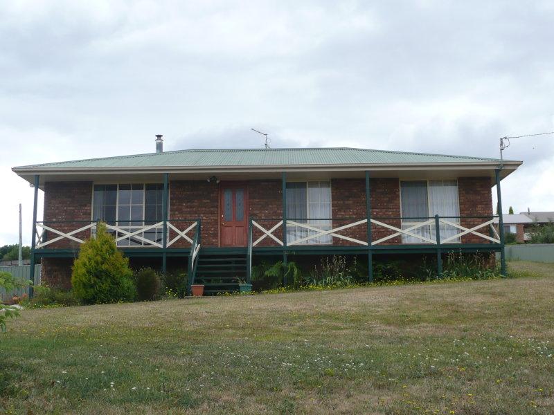 6 East Goderich, Deloraine, Tas 7304