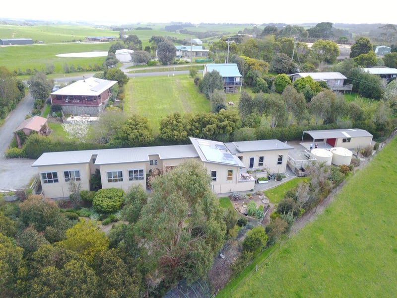 65 OLD WARATAH ROAD, Fish Creek, Vic 3959