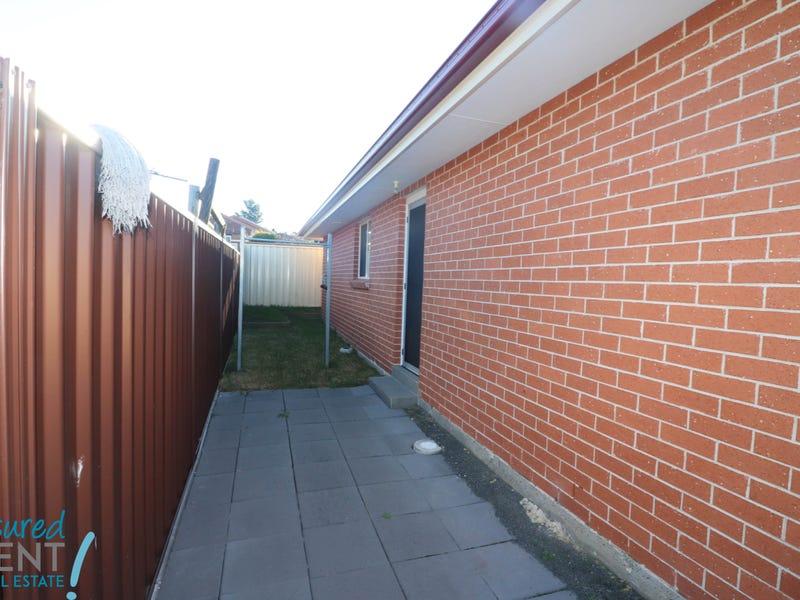 12A Juliet street, Rosemeadow, NSW 2560