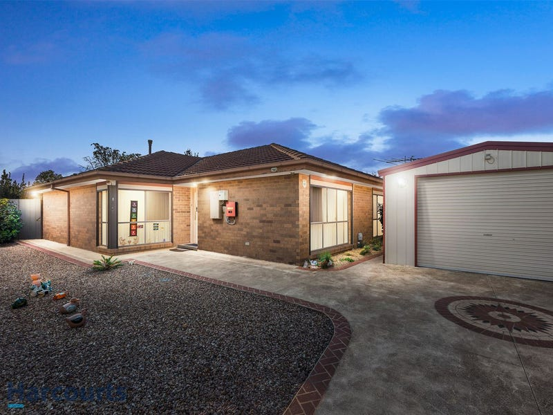 2/1 Nelson Court, Melton South, Vic 3338