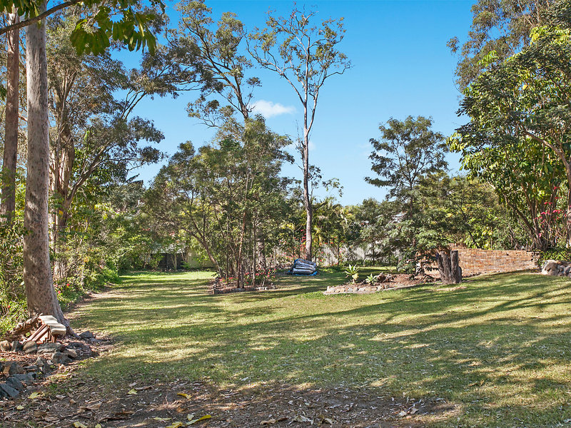 6 Woodlands Way, Parkwood, Qld 4214