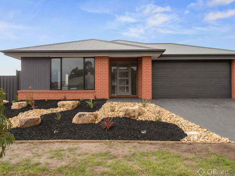 19 Clifton Crescent, Cowes, Vic 3922
