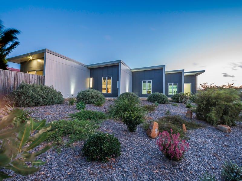 11 Spyglass Hill Court, Coral Cove, Qld 4670