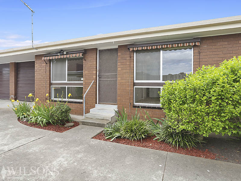 2/11 Bakewell Street, Herne Hill, Vic 3218