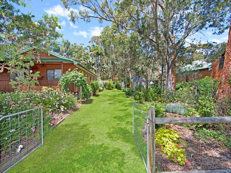 33-35 Trevally Avenue, Chain Valley Bay, NSW 2259