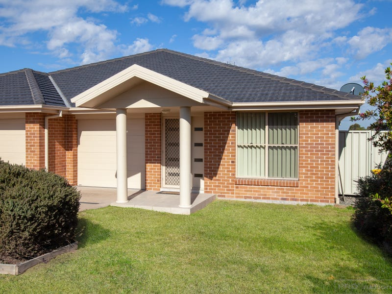 2/31 Broomfield Crescent, Singleton, NSW 2330