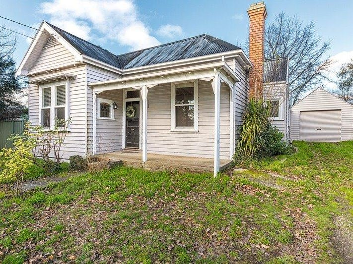 210 Clyde Street, Soldiers Hill, Vic 3350