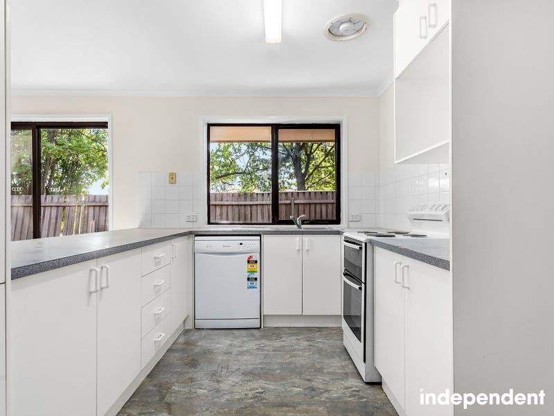 7 Halligan Place, Page, ACT 2614