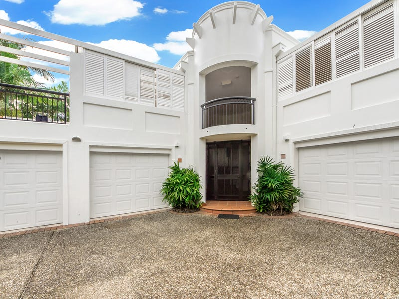 2/100 'Parkview Terrace' Cotlew Street East, Southport, Qld 4215