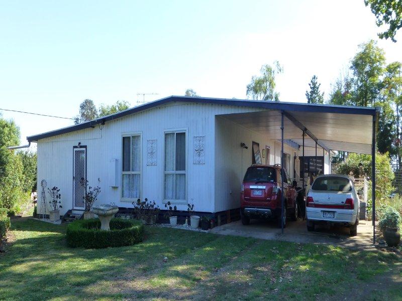 4 SWANN ROAD, Mumbannar, Vic 3304