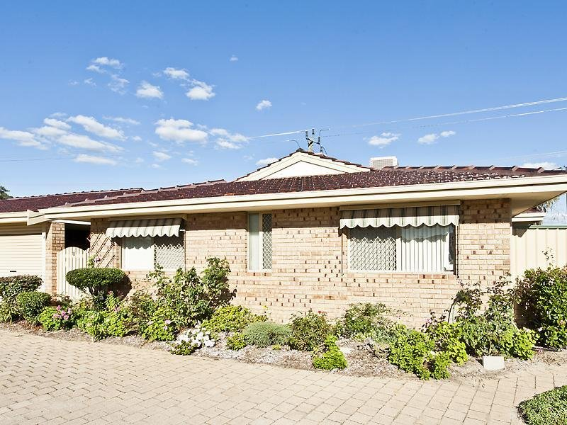 8/6 Lester Drive, Thornlie, WA 6108