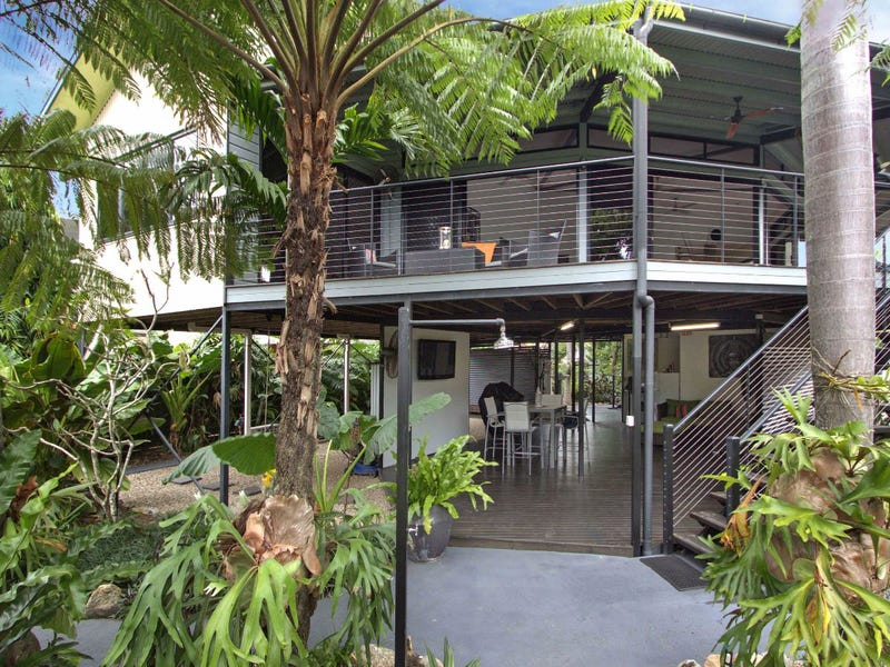 32 Christensen Street, Machans Beach, Qld 4878