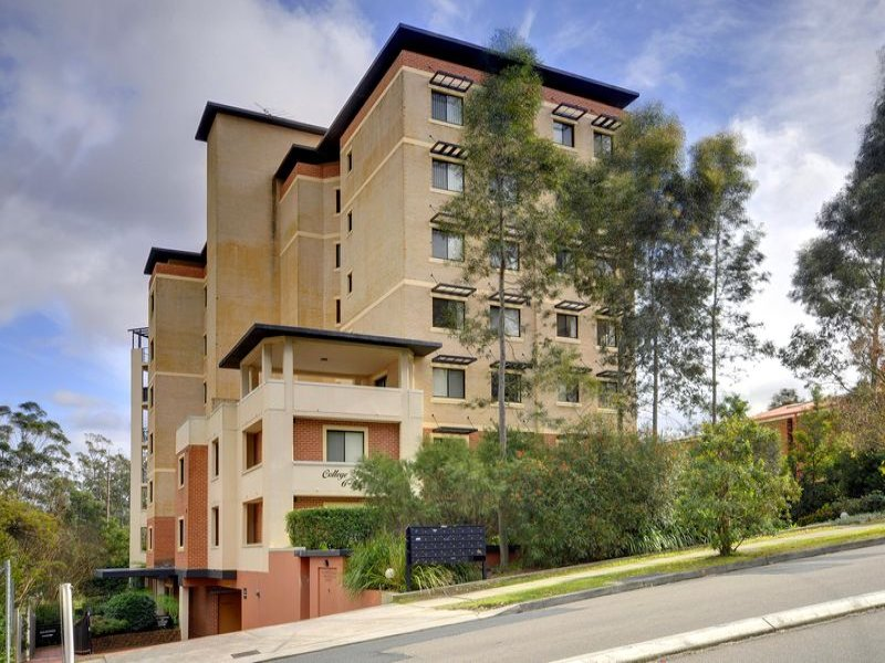 33/6-8 College Crescent, Hornsby, NSW 2077
