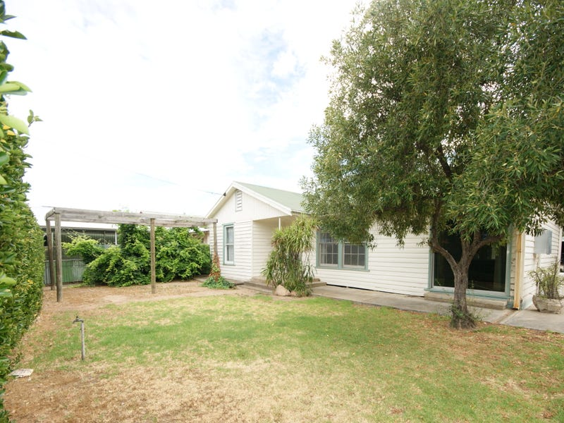 345 Wood Street, Deniliquin, NSW 2710