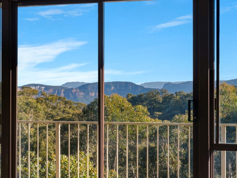 99 Valley Road, Wentworth Falls, NSW 2782