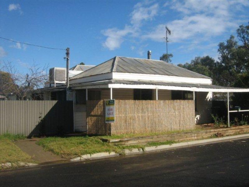1 McGee Street, Hillston, NSW 2675