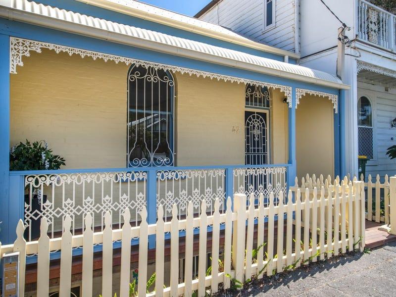 42 Brooks Street, Cooks Hill, NSW 2300