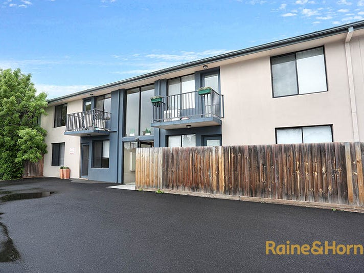 12/9 Churchill Avenue, Maidstone, Vic 3012