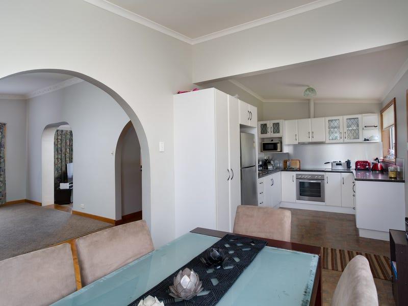 146 Charles Street, Beauty Point, Tas 7270