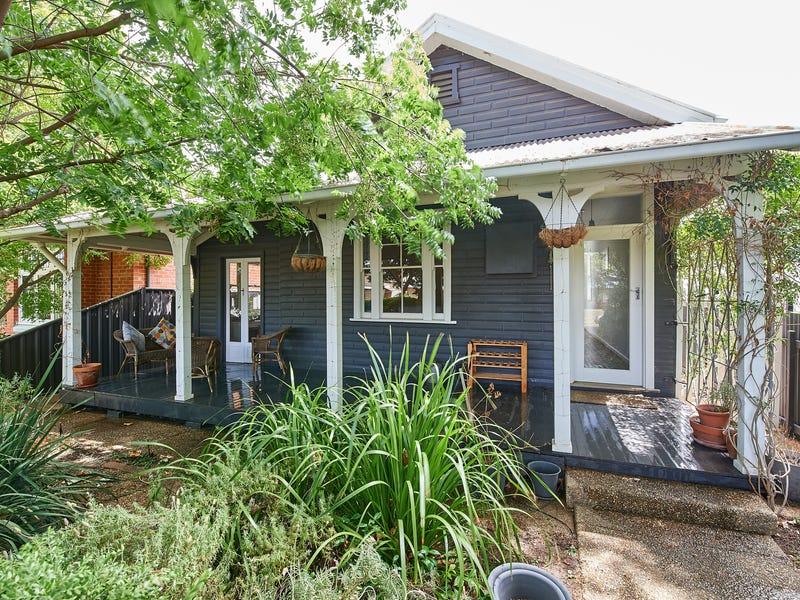 18 Albert Street, Wagga Wagga, NSW 2650