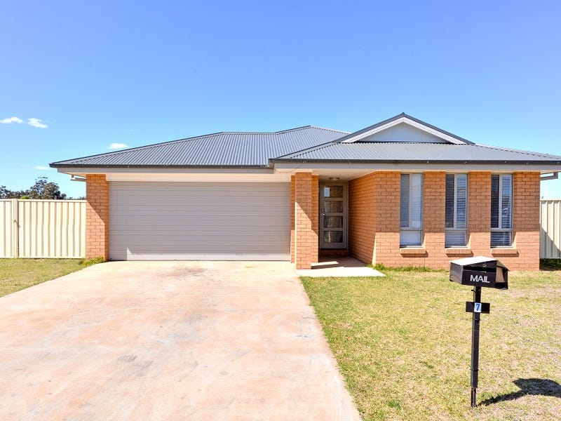 7 Devlin Close, Leeton, NSW 2705