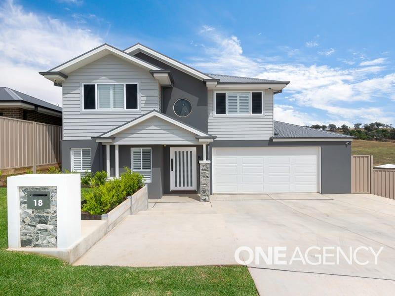 18 BENNELONG CRESCENT, Lloyd, NSW 2650