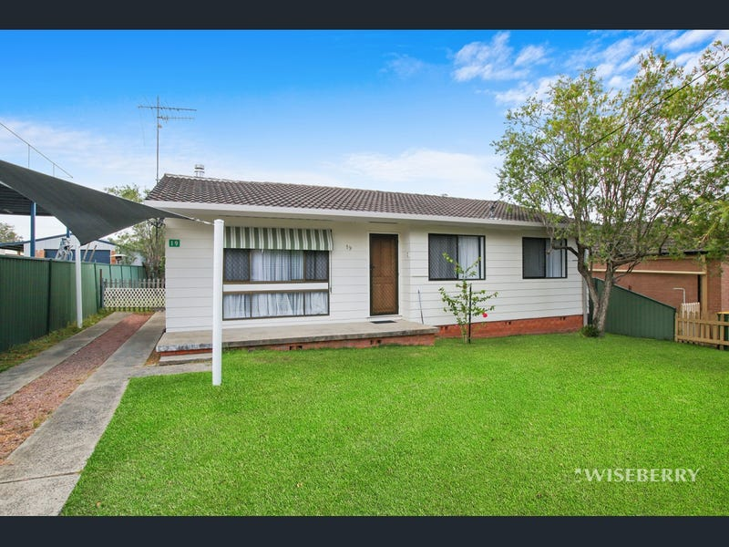 19 Taronga Avenue, San Remo, NSW 2262
