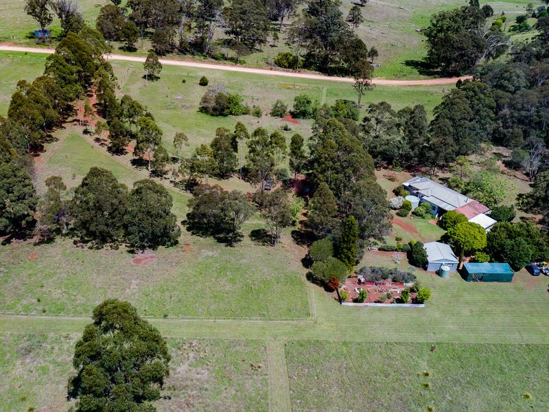 63 Erbacher Rd, Hampton, Qld 4352