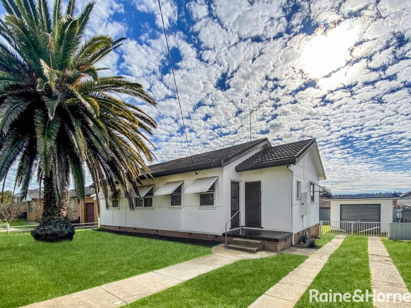 3 Memagong Street, Young, NSW 2594