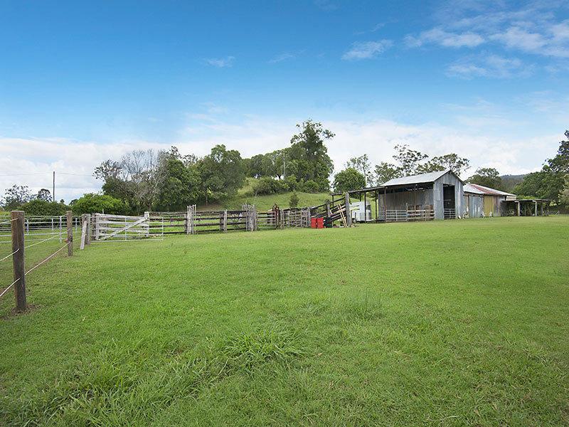 4 Stratton Road, Mount Pleasant, Qld 4521