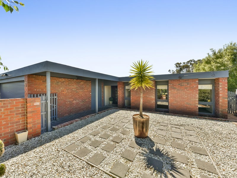3 Burke Court, Grovedale, Vic 3216
