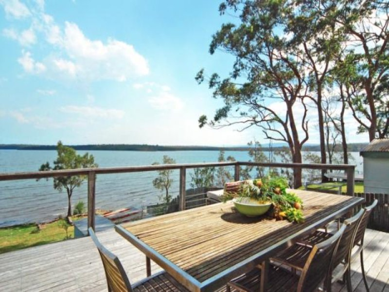 122 Basin View Parade, Basin View, NSW 2540