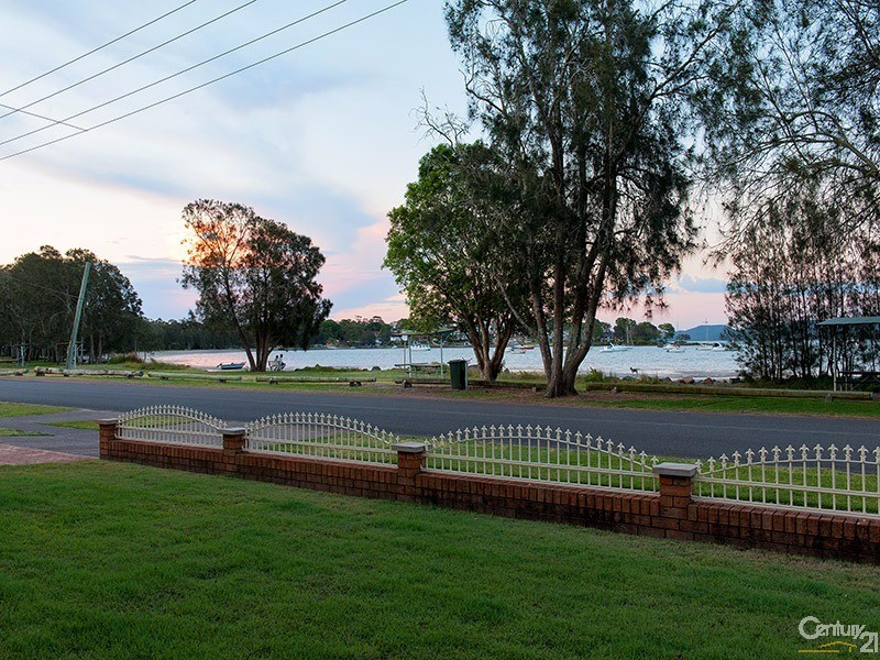 26 Peace Parade, Tanilba Bay, NSW 2319