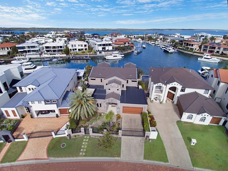 43 The Sovereign Mile, Sovereign Islands