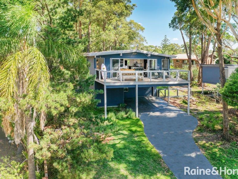 5 Bannister Head Road, Mollymook Beach, NSW 2539