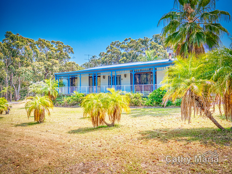 210 Cams Boulevard, Summerland Point, NSW 2259
