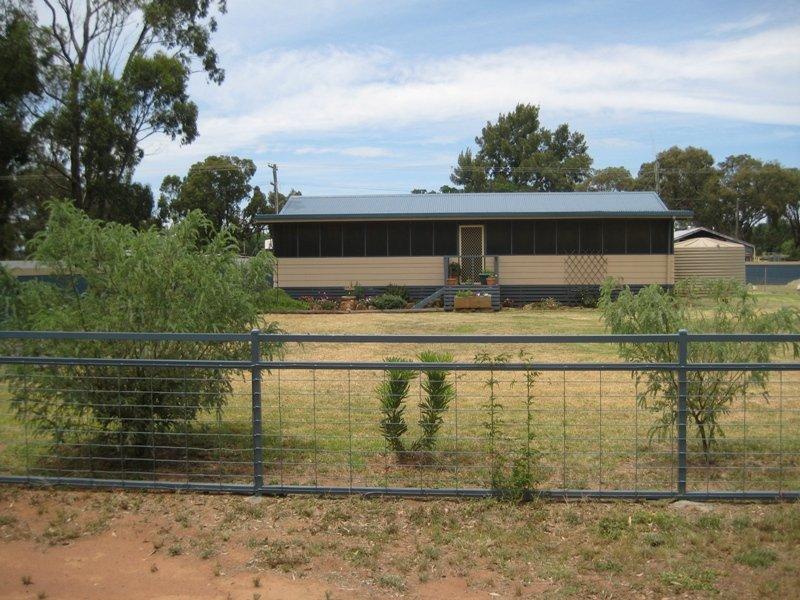 11 Bomen Street, Ballimore, NSW 2830