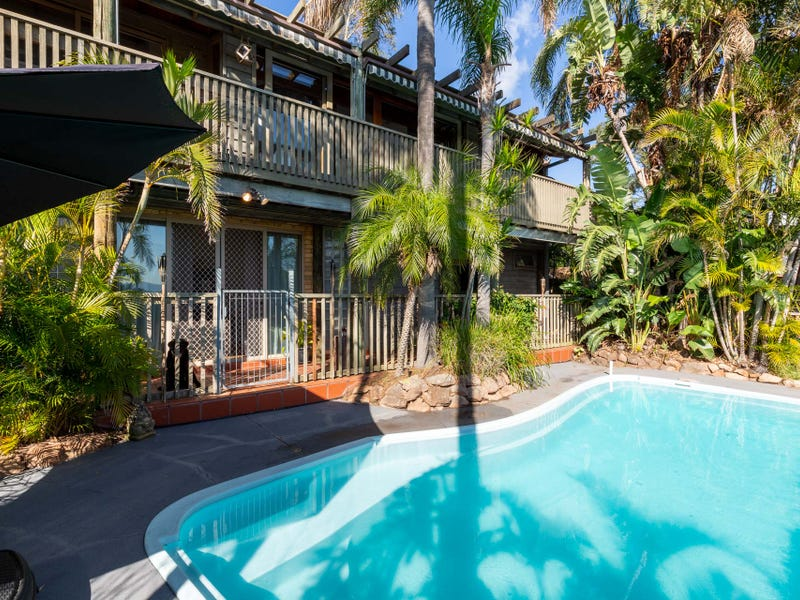 64 Alhambra Avenue, Macquarie Hills, NSW 2285