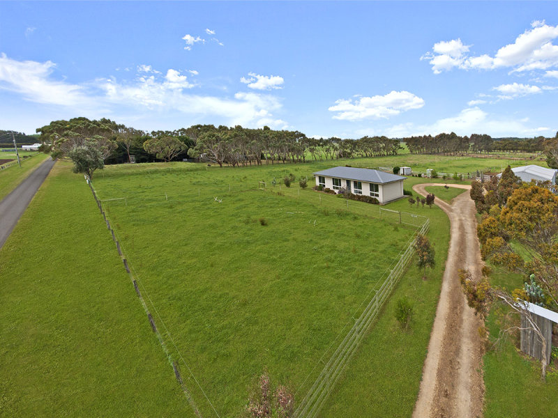 12 Scotts Road, Crossley, Vic 3283