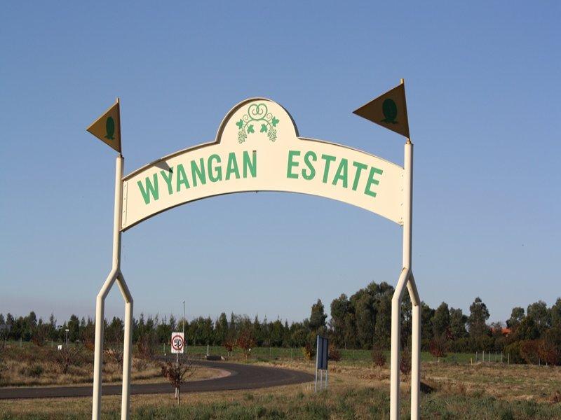 2 Mancini Drive, Lake Wyangan, NSW 2680