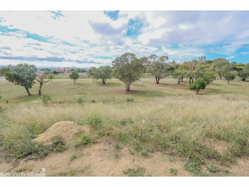 8A Red Gum Place, Bathurst