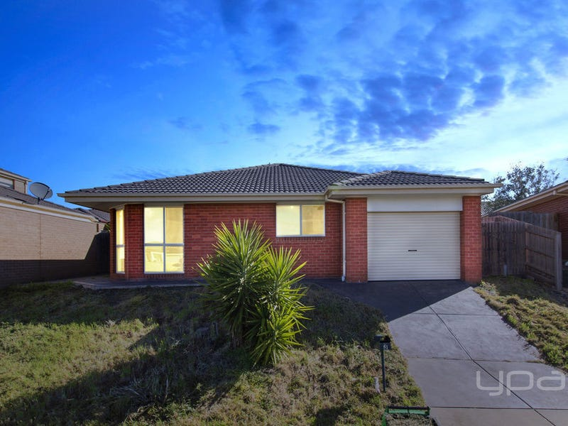 3 Jolley Rise, Melton West, Vic 3337