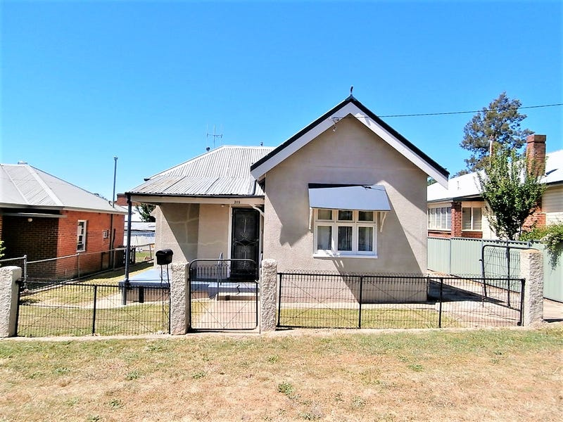 215 Brilliant Street, Bathurst, NSW 2795
