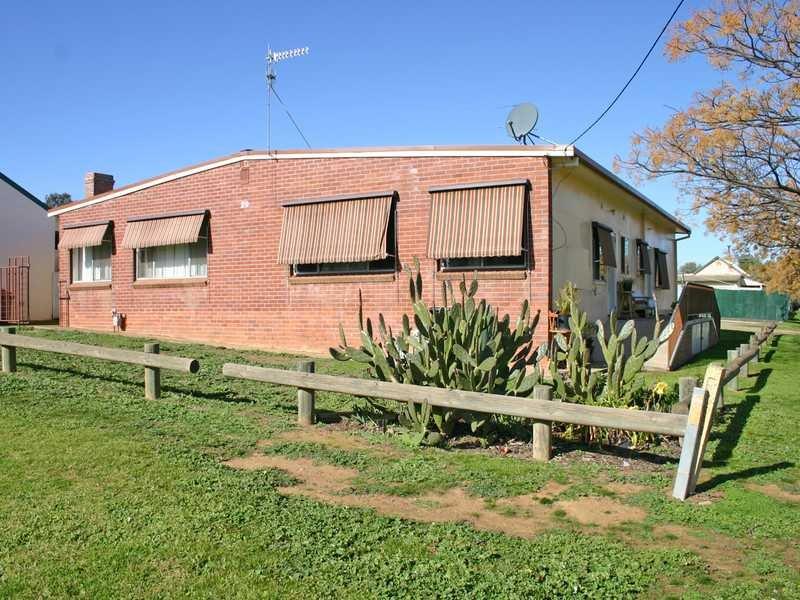 29 George Street, Junee, NSW 2663
